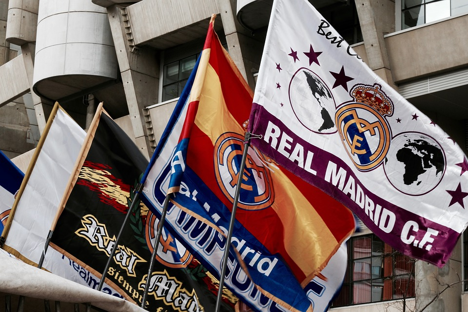Drapeaux Real Madrid